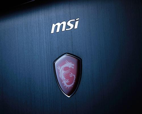 MSI GT75 TITAN 9SF-262ES i7, 32GB, RTX 2070  8GB, 1TB SSD  + 1TB SATA, 17.3